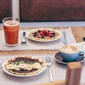 Vens lanchar connosco? Até já. 😊  #waffles #cappuccino #thegoatlist #meeplencoffee #coffeetime #coffeelover #coffeebreak #bestcoffee #bestlunchever
