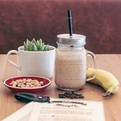 O nosso Smothie de Banana, manteiga de amendoim e café! Já provaste? Se sim, sabes como é delicioso! 🍌☕🤤  #smothie #meeplencoffee #bebidasgeladascomcafe #goodtimes #sofresh #sodelicious #bebidas